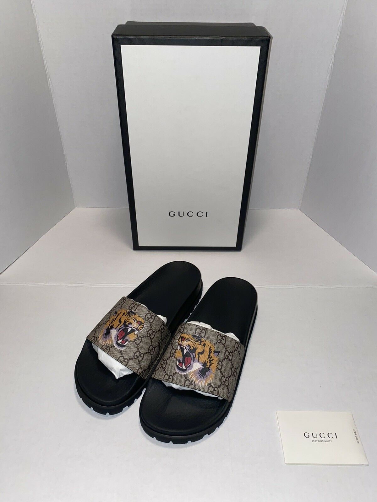 Gucci Slide GG Supreme Tigers