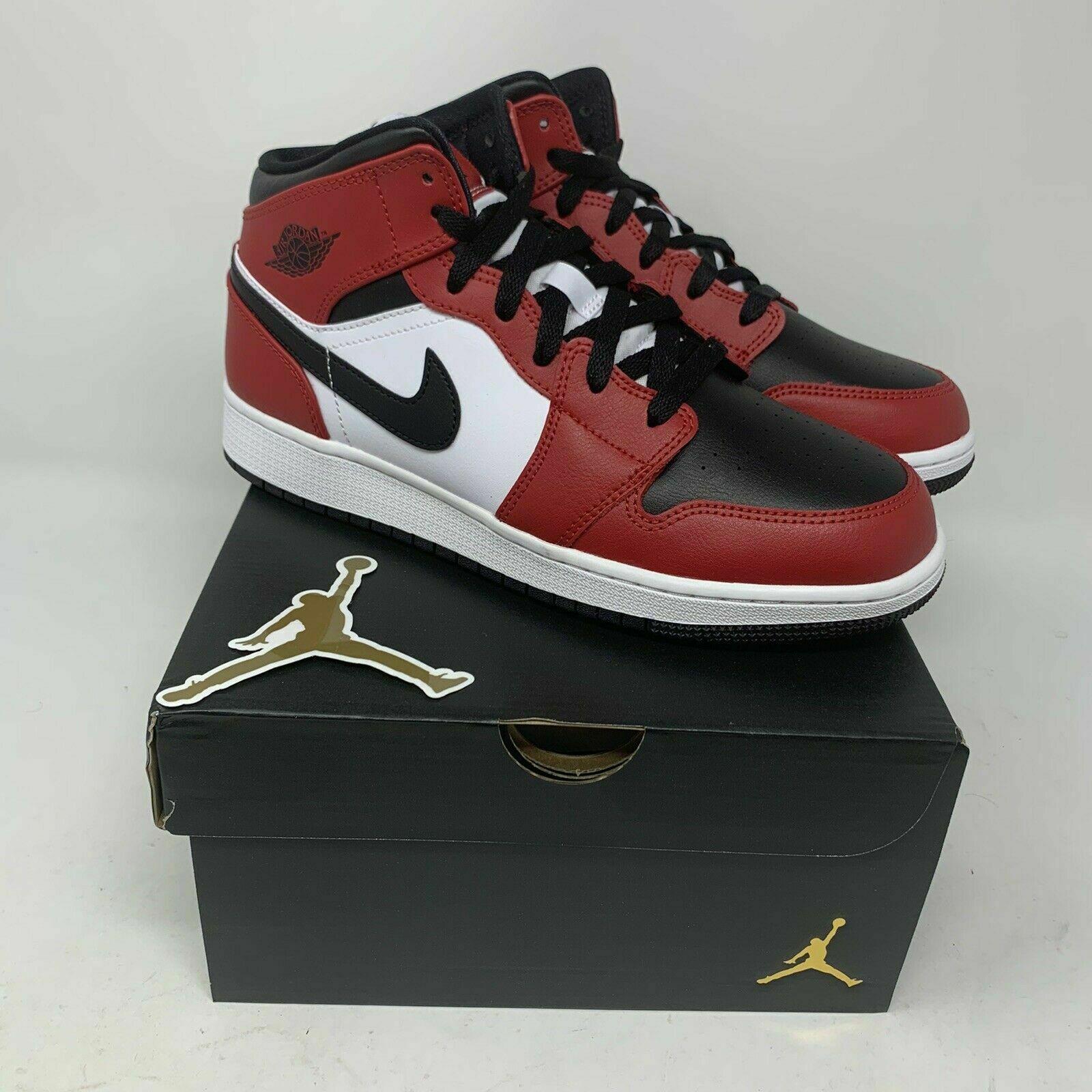 Jordan 1 Mid Chicago Black Toe GS