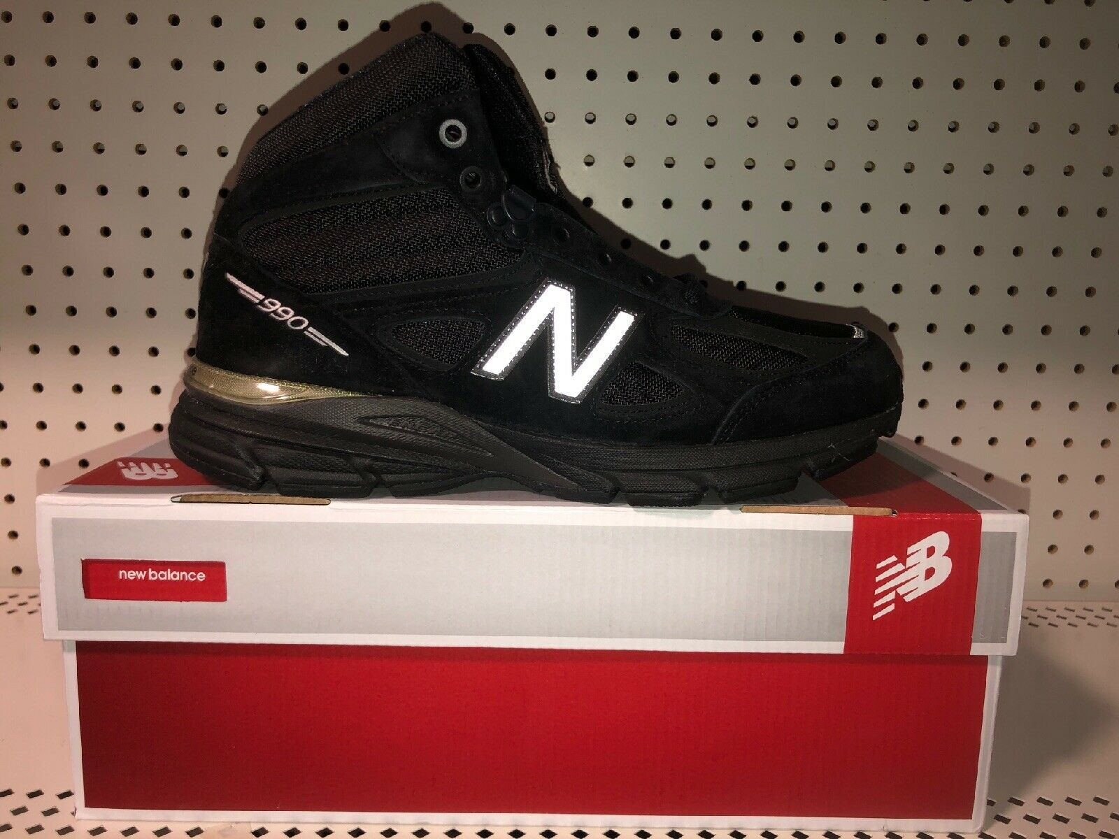 New Balance 990 Mid Boot Black