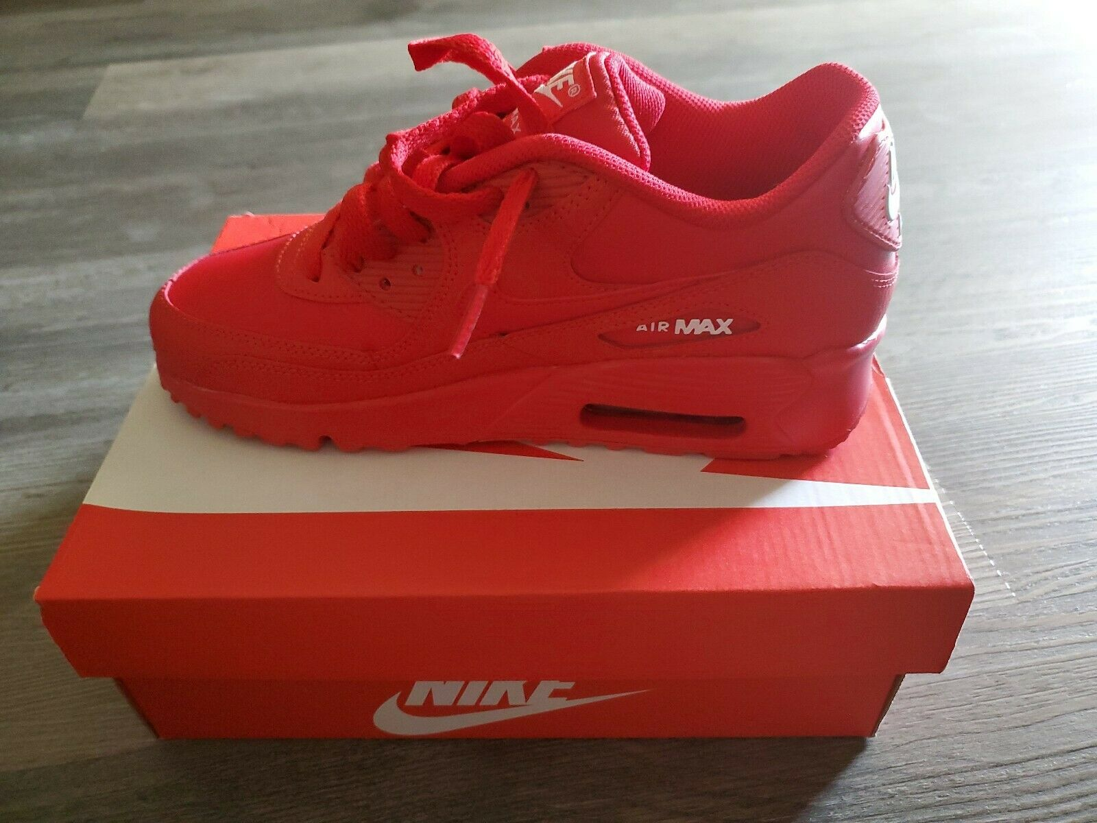Nike Air Max 90 Triple Red