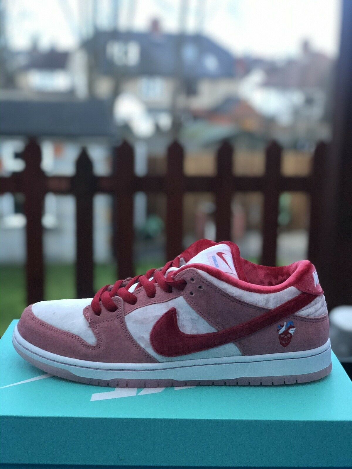 Nike SB Dunk Low StrangeLove Skateboards Regular Box