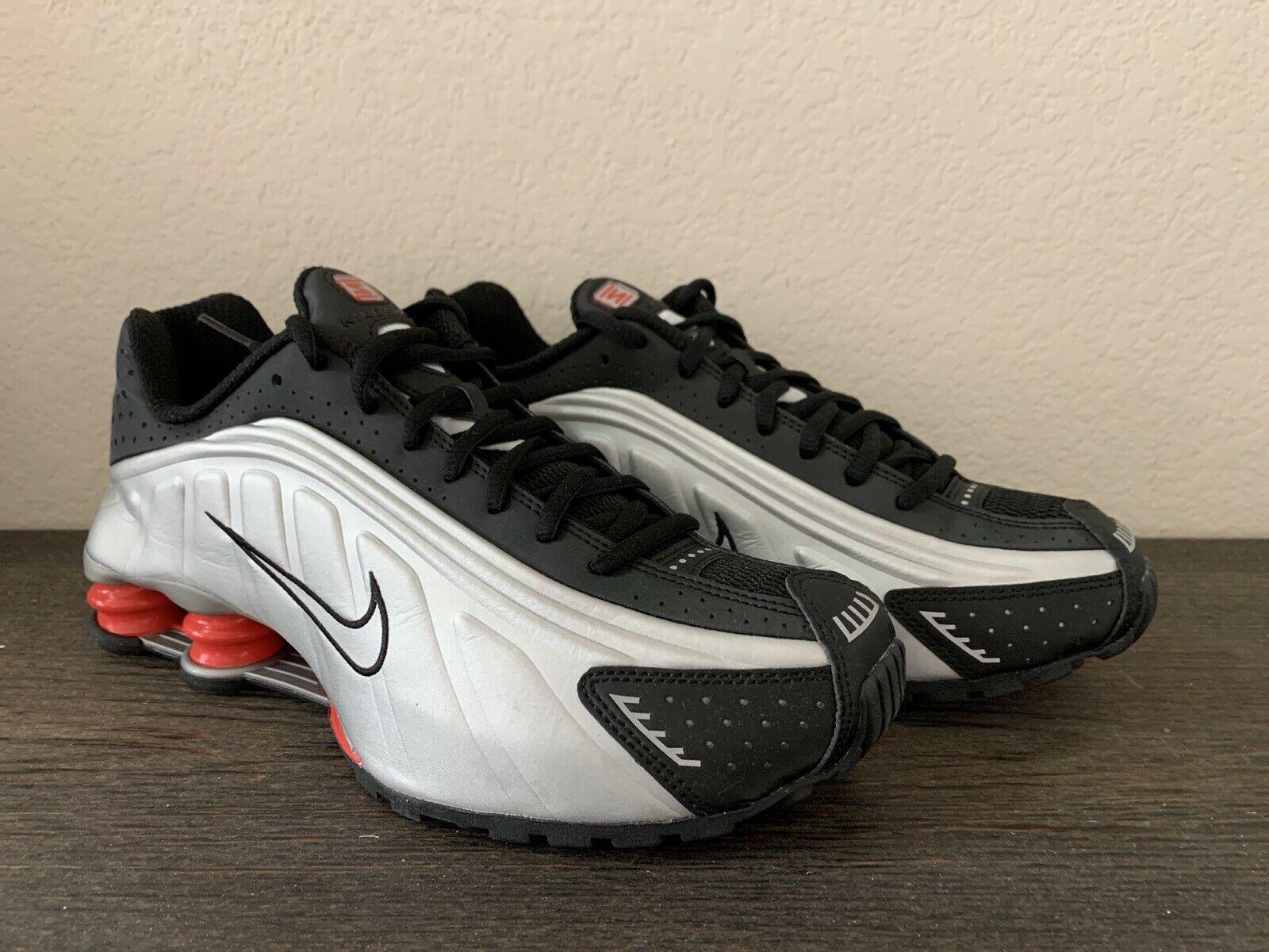 Nike Shox R4 Black Metallic Silver 2018