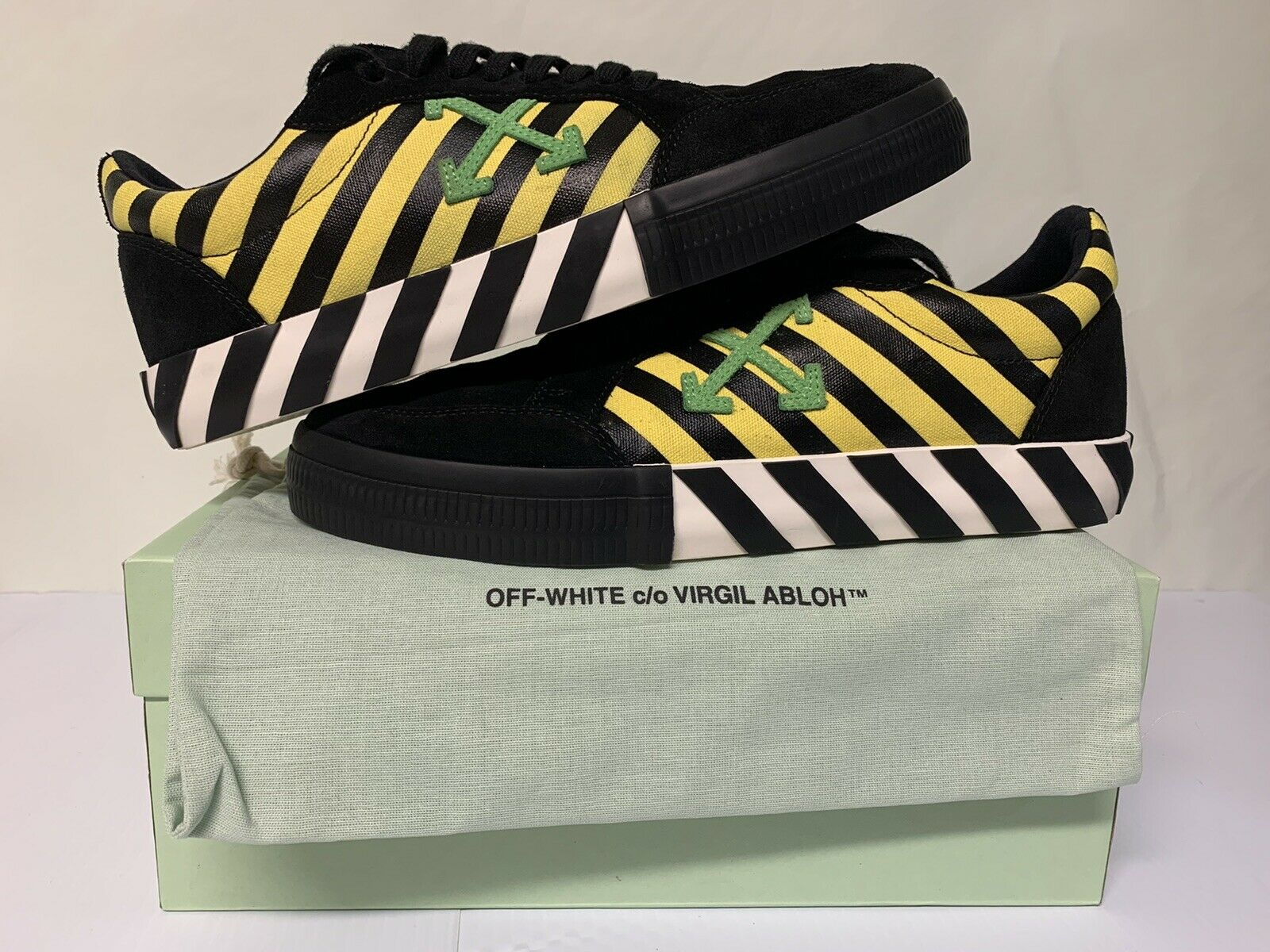 Off White Vulc Low Black Yellow Green